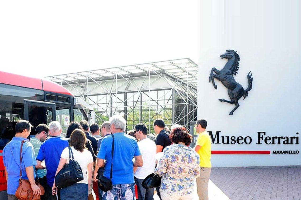 discover-ferrari-and-pavarotti-land-bus-tour-with-food-and-wine-tasting-winter-edition-3_header-29742